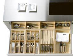 Cajón primer nivel, cuberteros. #accesorios #cocina #cubiertos
