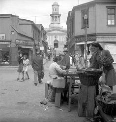 Barrio La Matriz de Valparaiso, año 1945. (Fotógrafo: Antonio Quintana)