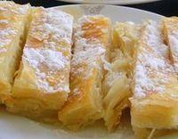 Merhabalar hanımlar bilmeyenler için öncelikle şunu açıklayalım sade bir börek olan, kat kat ( küt, küt) olan ve üzerine pudra şekeri serpilerek servis edilip yenen bir börektir. Bu böreğin adını ç… Köstliche Desserts, Delicious Desserts, Pastry Recipes, Cooking Recipes, Kurdish Food, Greek Cooking, Turkish Recipes, Food Facts, Easy Cake Recipes