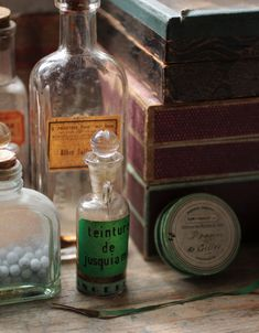 Vintage apothecary love!
