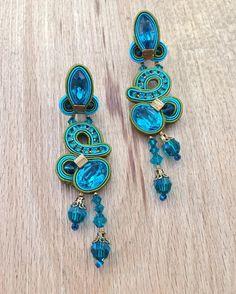 Exploring new colors... #doricsengeri #earrings #earrings #jewellery #accessoriesoftheday #blueandgreen #uniquejewelry #styling #fashionjewellery