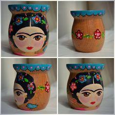 mates pintados - Buscar con Google Mexican Crafts, Mexican Art, Flower Pot Crafts, Flower Pots, Frida And Diego, Diy And Crafts, Arts And Crafts, Ideias Diy, Painted Pots