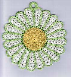 free pattern...Vintage Daisy Potholder..