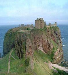 Una de las bellas fortificaciones de la costa de Escocia