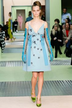 Prada Fall 2015 Ready-to-Wear Fashion Show: Complete Collection - Style.com
