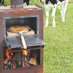 Oven Diy, Diy Pizza Oven, Pizza Oven Outdoor, Outdoor Cooking, Outdoor Fireplace Patio, Outdoor Stove, Pizza Cooker, Outdoor Grill Area, Barbecue Design