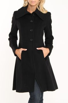 Nicole Miller Fit & Flare Envelope Collar Coat In Black-I have a charcoal coat just like this-love it! Classy Outfits, Pretty Outfits, Cool Outfits, Fashion Outfits, Autumn Winter Fashion, Fall Fashion, Nicole Miller, Madame, Look Cool