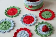 Coasters and their Basket - free crochet patterns