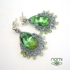 Tatted crystal earrings. namiart.blogspot.com