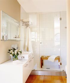 The bathroom because of its daily wear is one of the rooms in the house that requires more maintenance. The main causes why people request bathroom re. Dream Bathrooms, Beautiful Bathrooms, Small Bathroom, Master Bathroom, Bathroom Ideas, Bad Inspiration, Bathroom Inspiration, Lofts, Internal Design