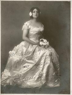 Claudia Muzio 1889 - 1936 I The soprano as Violetta (La Traviata) #VerdiMuseum