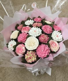 Large cupcake bouquet www.bakedblooms.com
