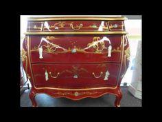 Spécialiste du mobilier chinois laqué, nous vous offrons aussi des meubles de style chinois traditionnel ancien ou copies d'ancien, tibétain, façon cuir, en passant par le meuble japonais, depuis plus de 30 ans, les Meubles GAUTHRON sont à votre écoute pour vous guider dans vos choix. Tous nos meubles  de style chinois, sont  fabriqués «  à l'ancienne » dans le respect du plus pur artisanat traditionnel.