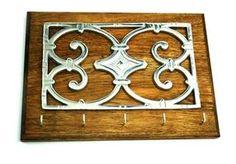 Porta Llaves Gotico con Madera Rustica #porta #llaves #gotico #madera #rustica #pewter