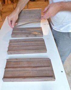 How to Build a Wooden Knife Block: DIY Knife Block Plans Wooden knife blocks are handy but they can take up space. Seth Keller's DIY knife block plans teach you how to build a stylish, smaller version. Woodworking Workshop, Easy Woodworking Projects, Woodworking Plans, Wood Projects, Diy Knife, Wood Knife, Block Plan, Diy Cutting Board, Knife Holder