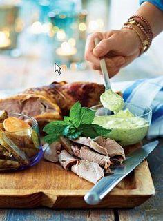 Lammekølle med ovnbagte kartofler og jordskokker og aioli | Magasinet Mad!