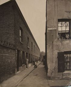 Name:  cbNeath Place, Perira Street October 1913.jpg Views: 1788 Size:  91.2 KB