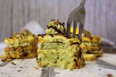 WOW - Zitronen Pistazien Törtchen sind der absolute Hammer! Edel und köstlich sind sie ein tolles Mitbringsel für den Grillabend, oder der perfekte Abschluss für ein schickes Dinner.