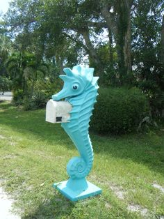 Just like the dolphin mailbox we featured! Seashore Mailbox ~ Sanibel Island ~~~