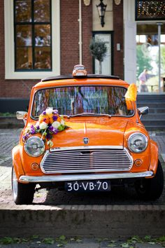 Spot the mini MINI! Read about the model that made it up the aisle on MINIspace.com.