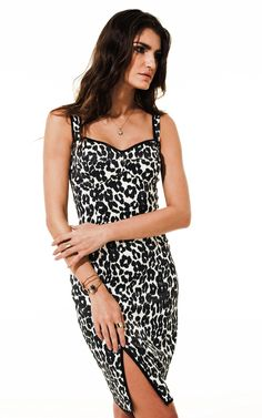 Lookbook Raizz Primavera-Verão 14 - Vestido estampa bicho PB  com fenda lateral