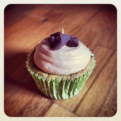 Cupcake pistache glaçage spéculoos.