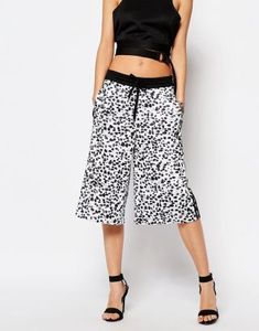 Shop the latest adidas Originals 3 Stripe Wide Leg Culottes In Inked Print trends with ASOS!