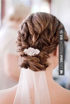 I like the Veil under the hair. don't know if I can do that since my veil is so long though - Coiffure de mariage / wedding hairstyle Bridal Updo With Veil, Wedding Hairstyles With Veil, Bride Hairstyles, Bridal Hair, Homecoming Hairstyles, Party Hairstyles, Hair Design For Wedding, Wedding Hair And Makeup, Wedding Beauty