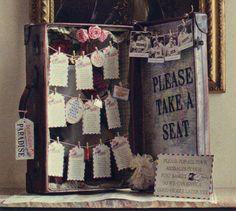 Tableau Mariage - Vintage Suitcase