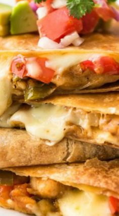 Oven Baked Chicken Quesadillas Baked Quesadilla, Quesadilla Recipes, Chicken Quesadillas, Meat Recipes, Mexican Food Recipes, Turkey Recipes, Mexican Dishes, Delicious Recipes, Dinner Recipes