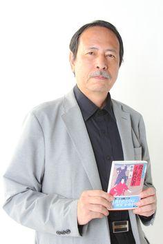 ゲスト◇飯島一次(Kazutsugu Iijima) 1953年、大阪府生まれ。大阪芸術大学舞台芸術学科卒業。東京在住。 江戸と映画とシャーロック・ホームズをこよなく愛する。 日本ペンクラブ会員、日本推理作家協会会員、日本シャーロック・ホームズ・クラブ会員、歴史時代作家クラブ会員、日本映画ペンクラブ会員。 主な著書に「朧屋彦六世直し草紙」シリーズ『浮世頭巾』『風雷奇談』『四十七人の盗賊』、「三十郎あやかし破り」シリーズ『ねずみ大明神』『本所猿屋敷』『青い天狗』、「阿弥陀小僧七変化」シリーズ『盗まれた小町娘』『殺された千両役者』(以上双葉文庫)、『ふたり鼠 鉄砲の弥八捕物帳』(KKベストセラーズ)、『江戸城の御厄介様』(KADOKAWA富士見新時代小説文庫)、『新選組出陣』(共著・徳間文庫他)がある。