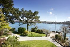 A gorgeous Cornwall home right on the estuary - we're in love!