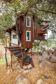 Check out this awesome listing on Airbnb: Romantic Rustic Off-Grid Treehouse - Treehouses for Rent
