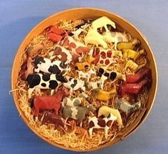 Erzgebirge farm animals. Handcarved and handpainted. In original box. 1900's or earlier. German. Rinni74/eBay