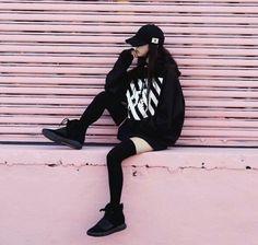 Korean Street Fashion - Life Is Fun Silo K Fashion, Ulzzang Fashion, Asian Fashion, Fashion Outfits, Fashion Black, Trendy Fashion, Trendy Style, Fashion Styles, Korean Street Fashion