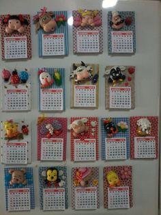 Calendarios imas de geladeira em biscuit