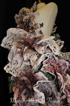 Niamh-makes-things: Tyvek Floral Sculpture