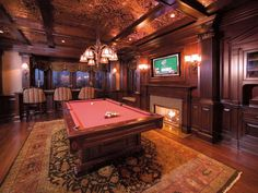 Beautiful game room in this #luxuryhome in Nissequogue, United States
