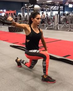 Plates for days!  These can also be done with dumbbells!  Perform each exercise for 40seconds with 20 seconds rest!  4 ROUNDS  #alexiaclark #queenofworkouts #womenshealthmag #menshealthmag  @menshealthmag @womenshealthmag
