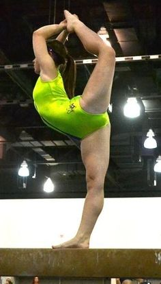 College Gymnastics Oops | Candid close views of cute real ...