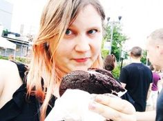 Eating a giant ice cream sandwich at Square Roots Fest Chicago. Giant Ice Cream, Square Roots, Festivals Around The World, Chicago Travel, Chicago Photography, Food Festival, Places To Eat, Fig, Travel Inspiration