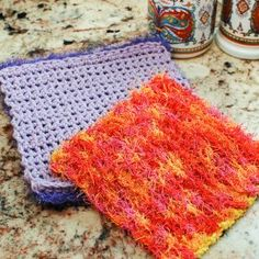 Double-Sided Scrubby Dishcloth - free crochet pattern by Kara Gunza at Petals to Picots.