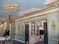 Sky mural with hand painted marble columns & gilded details. Private home. By Hannivan & Company Marble Columns, Interior Decorating, Interior Design, Stencil Art, Paint Designs, Luxury Homes, Oversized Mirror, Restoration, Hand Painted