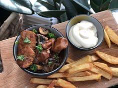 kip in bier gestoofd - Familie over de kook Multicooker, Chicken Wings, Barbecue, Slow Cooker, Food And Drink, Meat, Om, Seeds, Koken