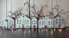 Wood Houses, Timber House, House In The Woods, Diy Projects To Try, Wood Art, Lanterns, Family Room, Diy And Crafts, Sweet Home