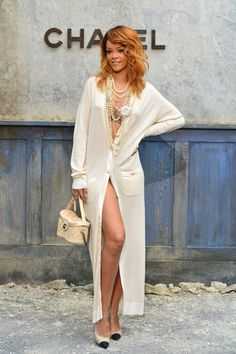 Rihanna Forgot to Wear Clothes at Chanel Couture: PARIS, FRANCE - JULY Rihanna attends the Chanel show as part of Paris Fashion Week Haute-Couture Fall/Winter at Grand Palais on July 2013 in Paris, France. (Photo by Pascal Le Segretain/Getty Images) Estilo Rihanna, Mode Rihanna, Rihanna Style, Rihanna Fashion, Rihanna Vogue, Chanel Couture, Fashion Week, Rihanna Outfits, Street Style