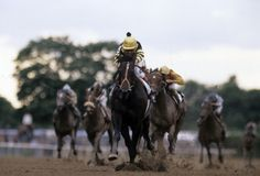 1977: Seattle Slew: Seattle Slew won the first leg of his eventual Triple Crown with a time of 2:02:20.