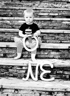 first birthday photo idea. cute!