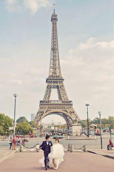 2014年9月22日、私は世界で一番好きな街、パリで挙式をした。  憧れのパラスホテル、ル・ムーリ…