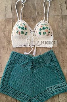 Stylish Free Crochet Top Pattern Design Ideas and Images - Page 15 of 40 - Daily Crochet! # knit crochet top outfit Stylish Free Crochet Top Pattern Design Ideas and Images - Page 15 of 40 - Daily Crochet! Crochet Top Outfit, Crochet Beach Dress, Crochet Clothes, Crochet Dresses, Crochet Outfits, Motif Bikini Crochet, Crochet Crop Top, Crochet Shorts Pattern, Crochet Summer Tops